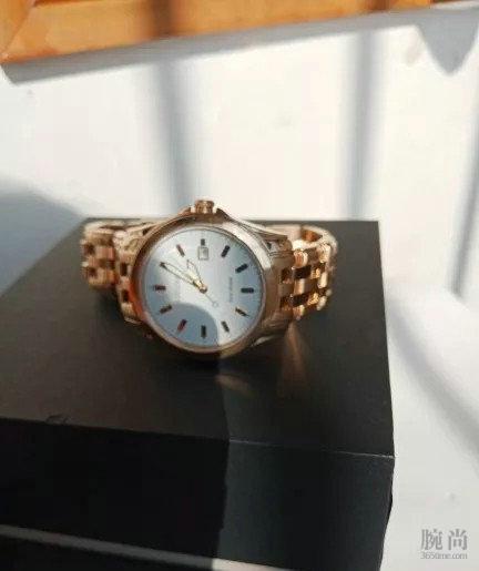 人总是要有理想,入手了第三块手表欧米茄黑盘海马300!