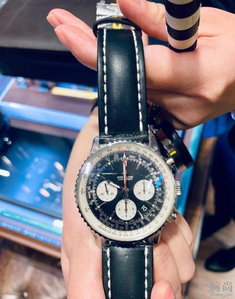 纠结的买表过程,为了心爱的小翅膀改选百年灵航空计时双追45!