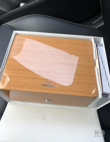 被颜值吸引,托朋友购入欧米茄新海马300灰盘!
