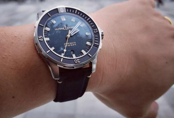 去年专柜入手的雅典UN8163—175蓝盘潜水表!