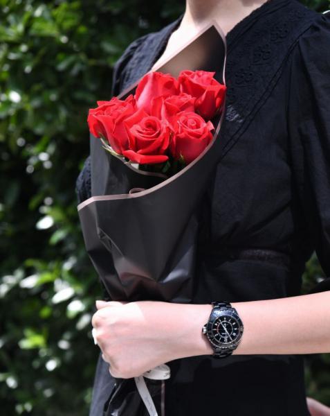结婚三周年纪念日老公送我的黑色香奈儿J12