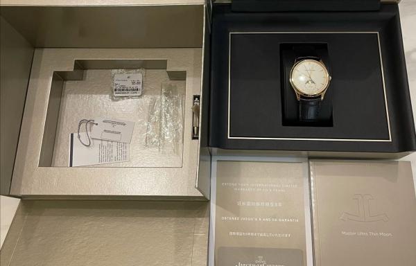 小白购入生第一块表---积家大师金月相!