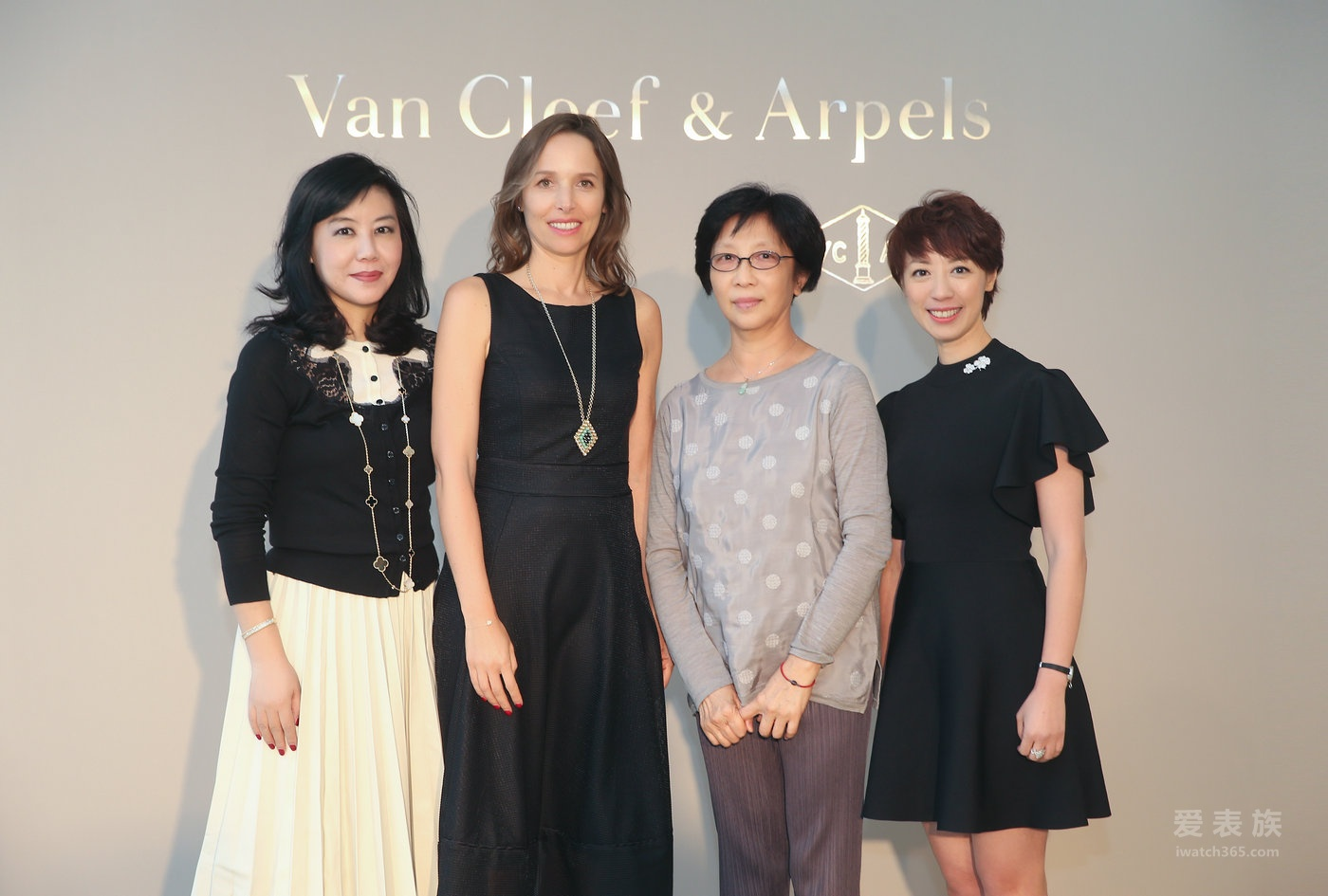 国家大剧院与Van Cleef & Arpels梵克雅宝携手鼎力呈现《国际明星芭蕾精品荟萃》演出