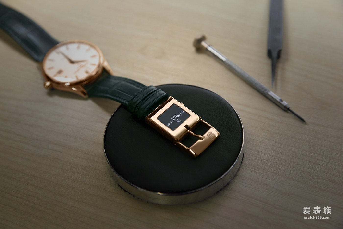 康斯登——E-Strap智能表带:将传统腕表变得更智能