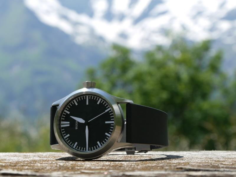 化繁为简的Stowa T02飞行员腕表