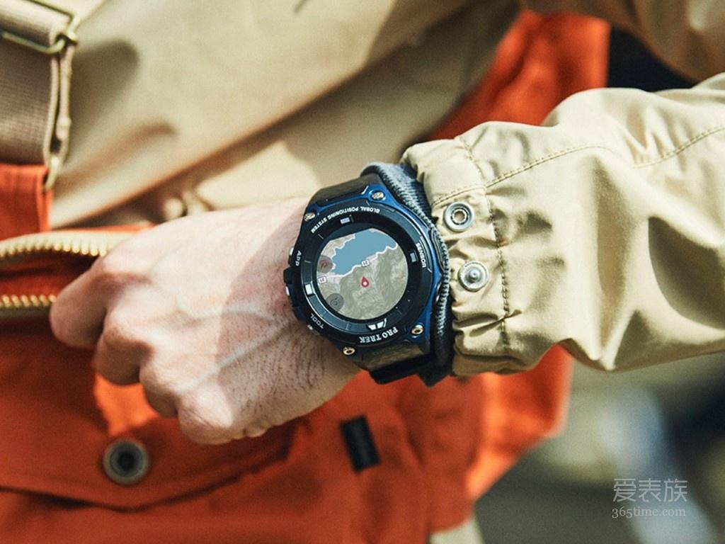 靛蓝蓝色卡西欧Pro Trek WSD-F20A智能户外手表