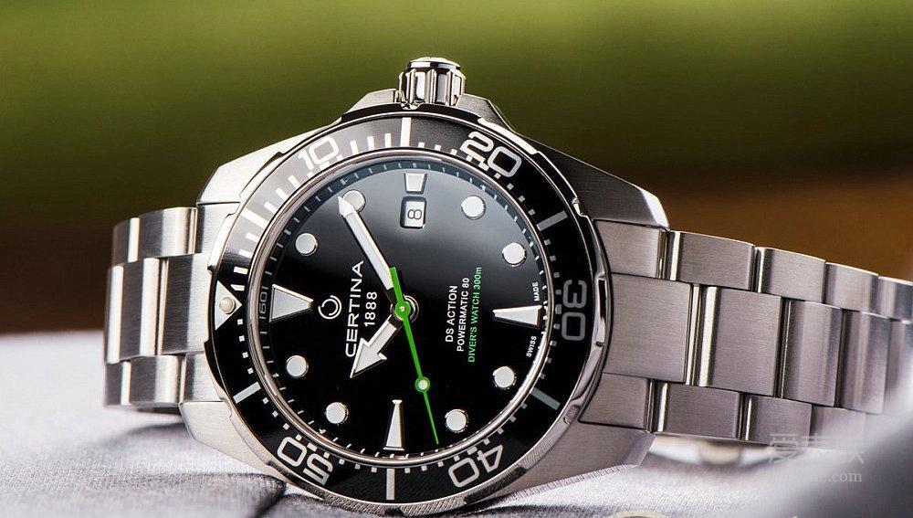 雪铁纳动能系列潜水腕表——绿箭疾波