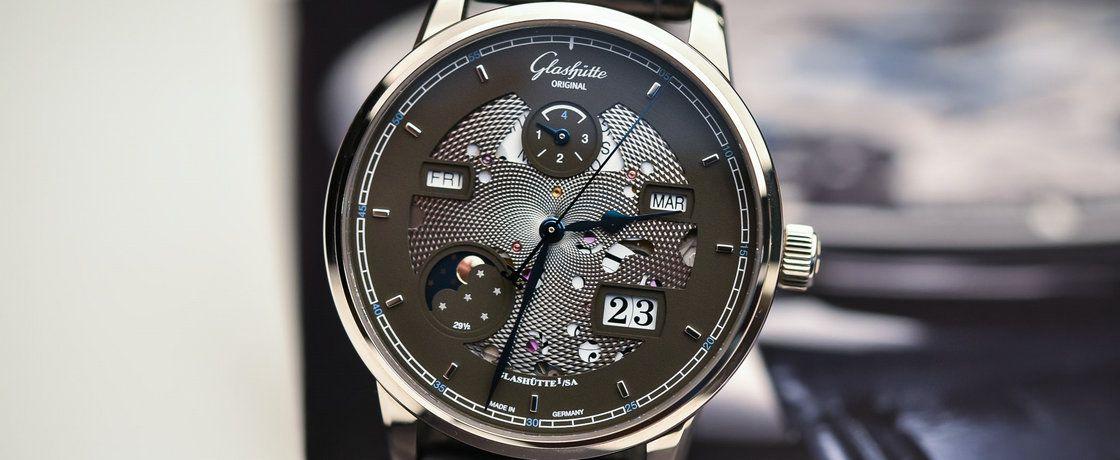低调的前卫——格拉苏蒂原创议员卓越系列万年历腕表
