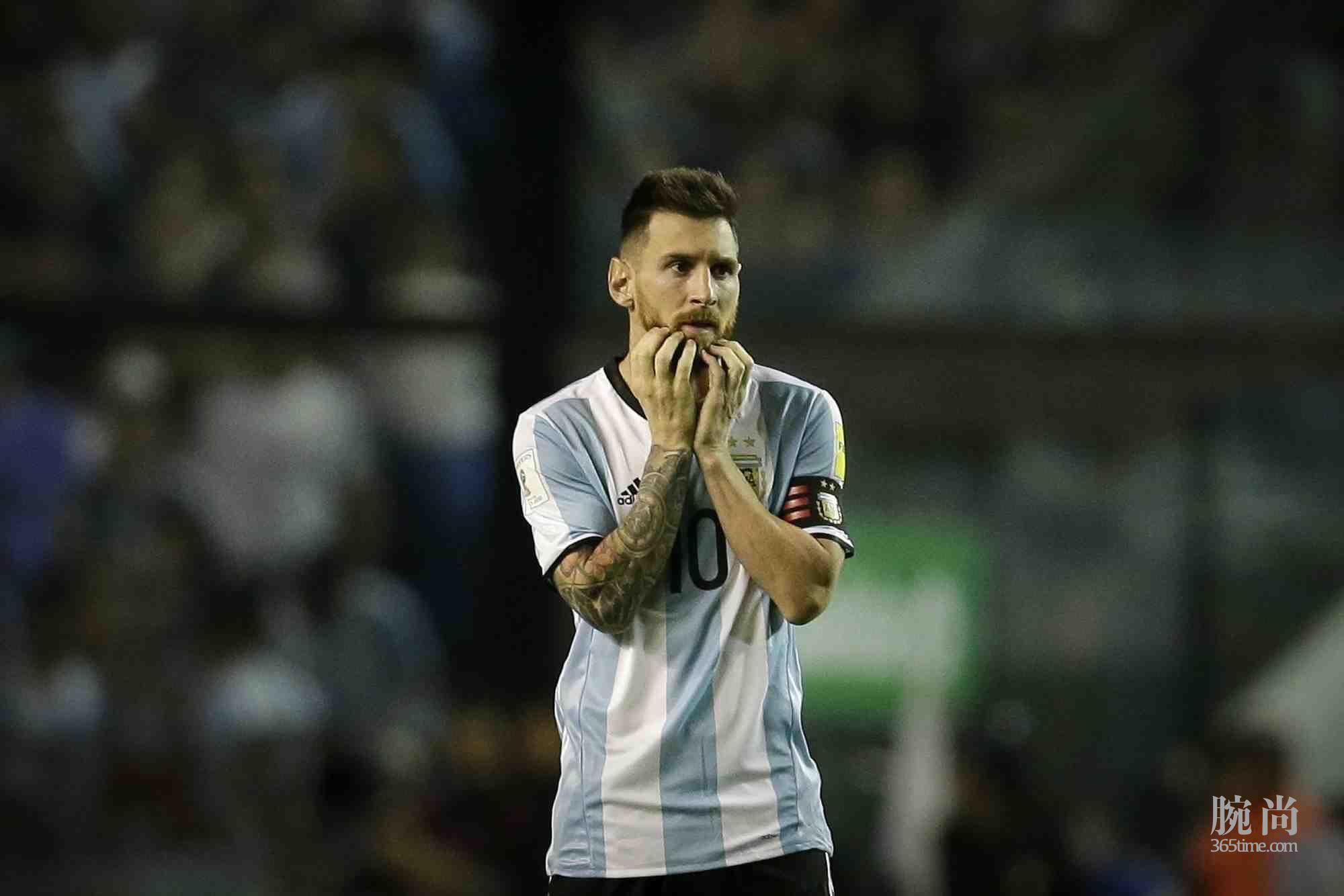 1512401592-Messi-AP.jpg