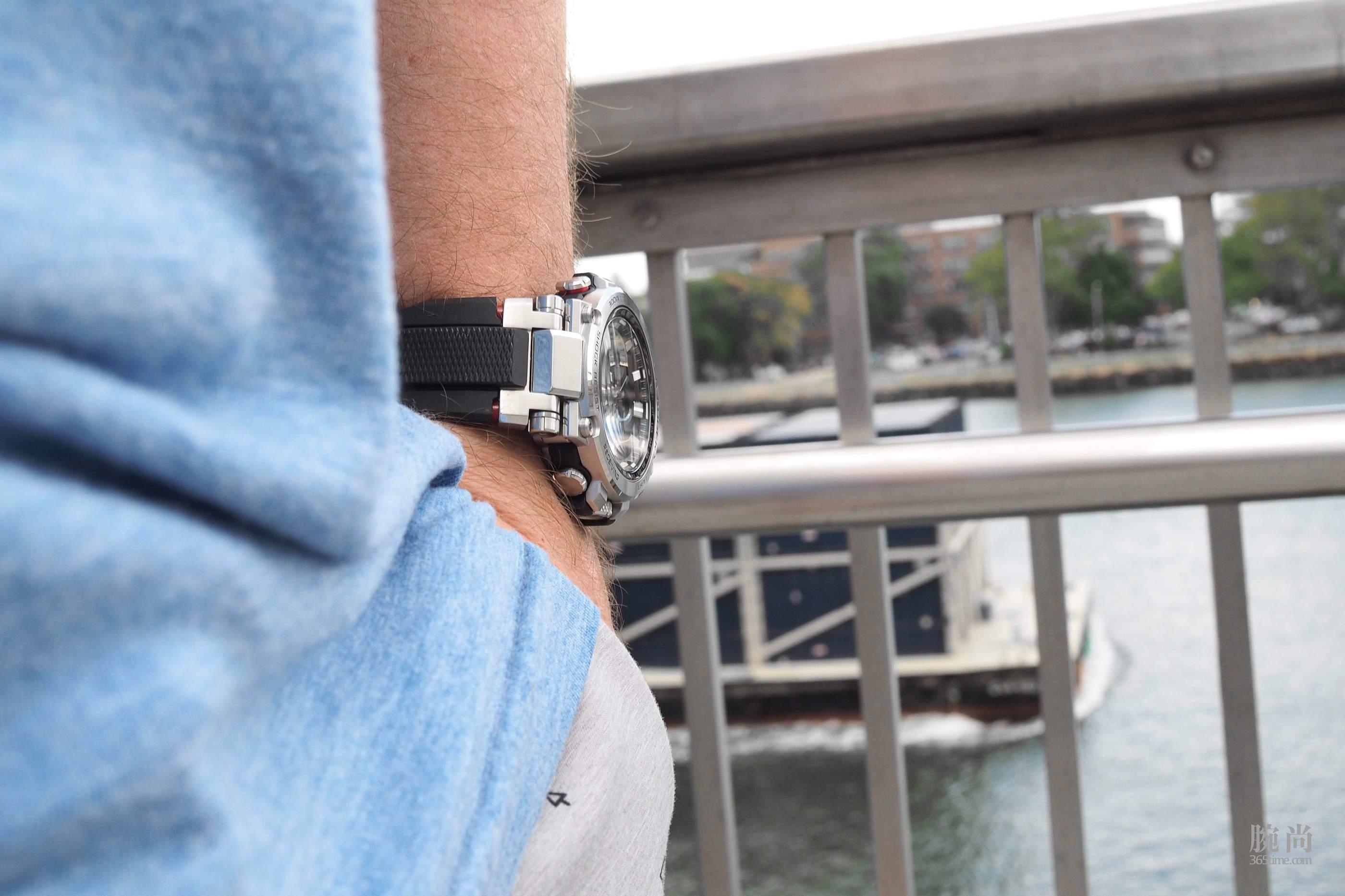 Casio-G-Shock-MTGB1000-1A-14.jpg