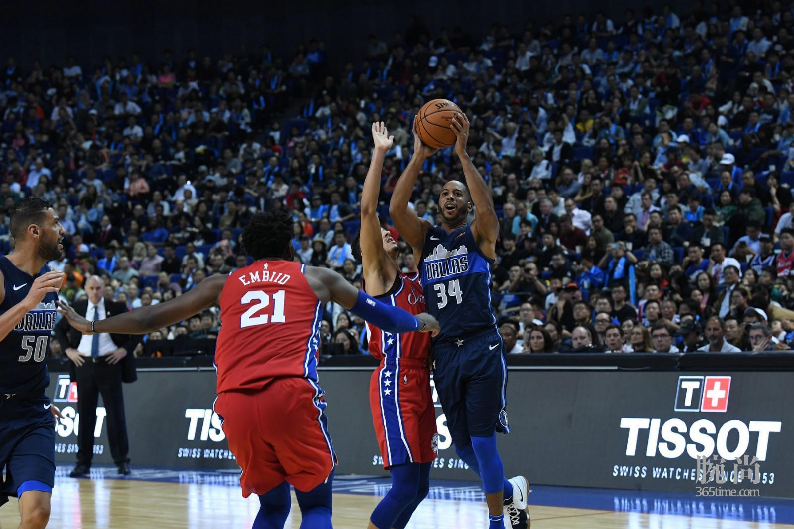 图6:NBA中国赛上海站现场战况激烈.jpg