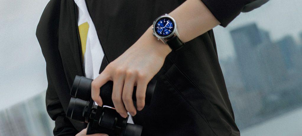 #STAYAHEAD不止向前# 万宝龙品牌大使杨洋佩戴全新智能腕表SUMMIT 2开启都市探索