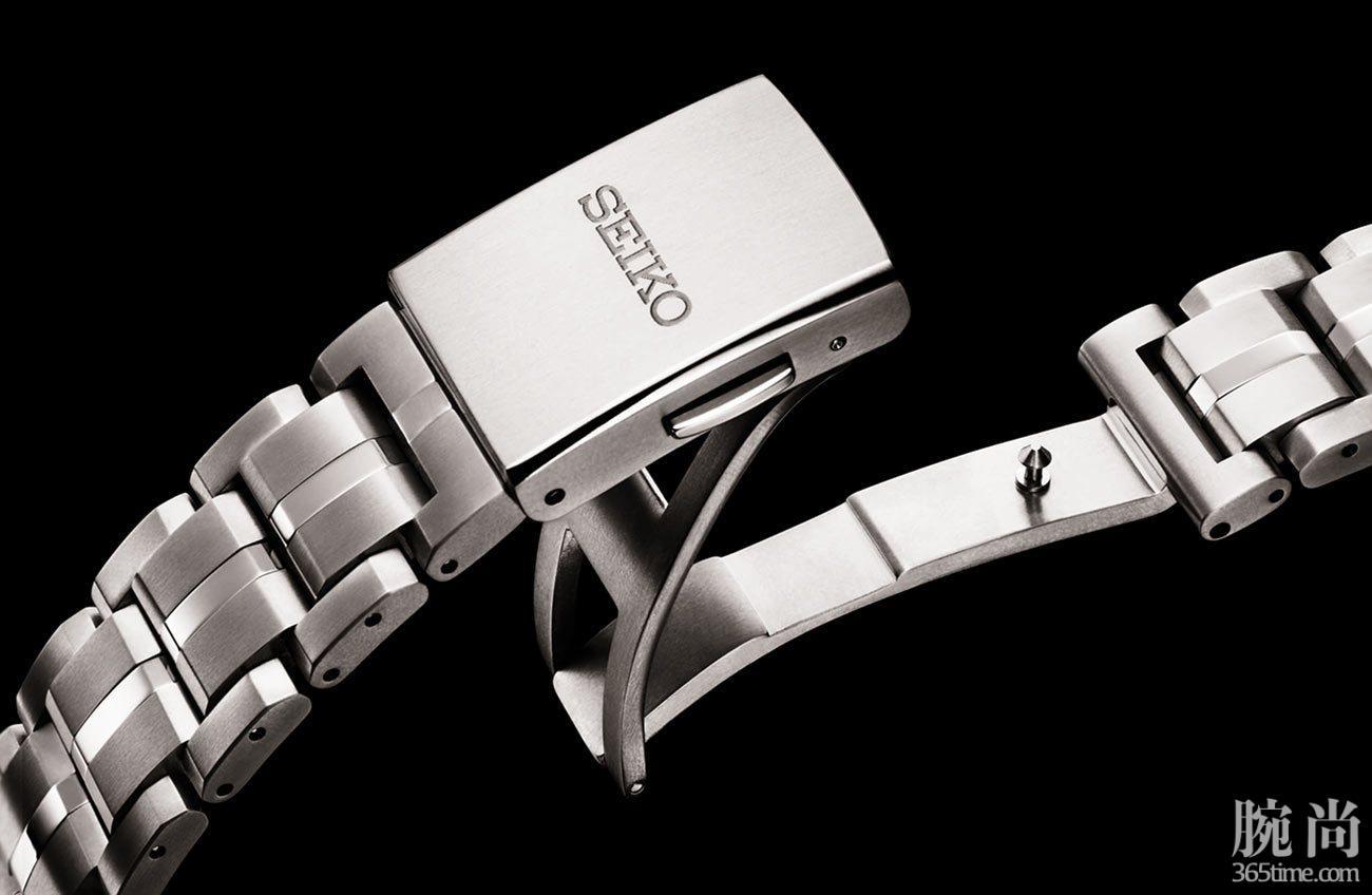 Seiko-Astron-GPS-Solar-Dual-Time-5X53-5.jpg