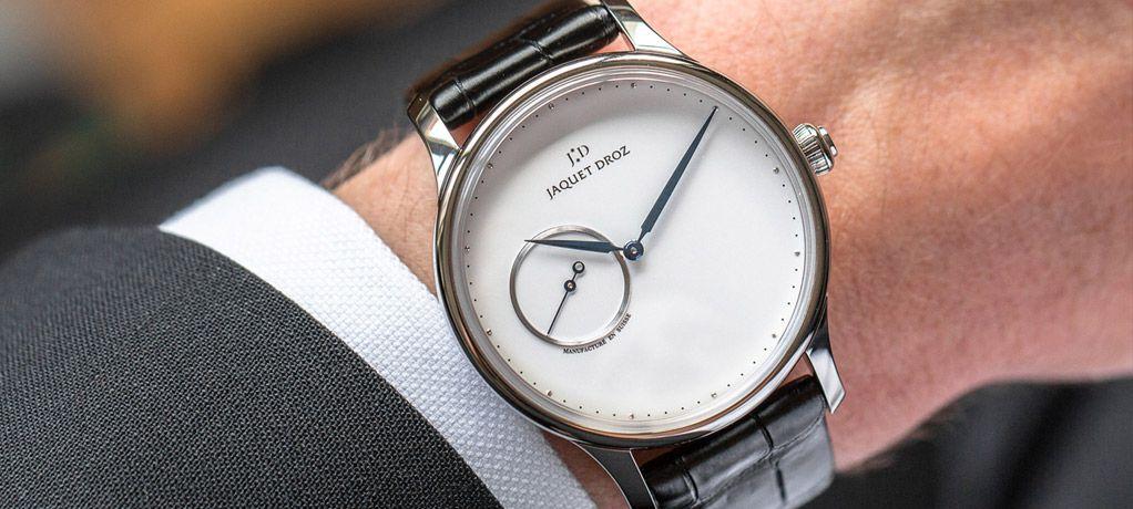 全新时分大指针盘腕表,为雅克德罗星辰系列增添色彩