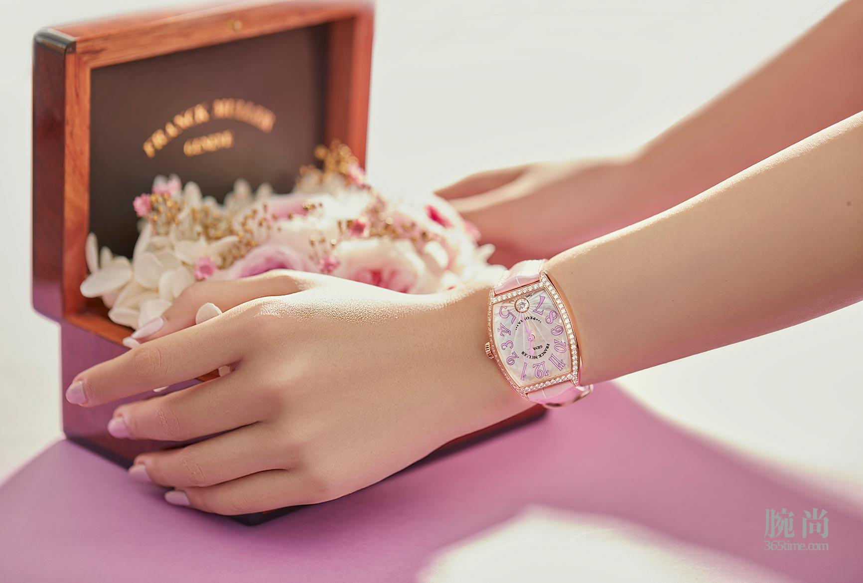Cintree-Curvex-Peonia-Diamond-Limited-Edition-in-Rose-Gold-with-diamonds_3_ls.jpg