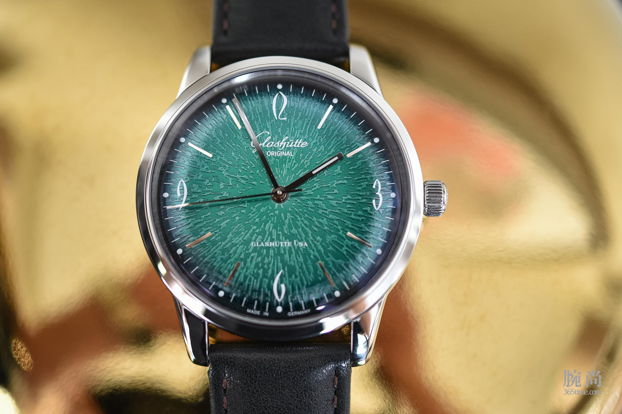 Glashutte-Original-Sixties-Annual-Edition-2018-Green-Dial-39mm-1-39-52-03-02-04-15.jpg