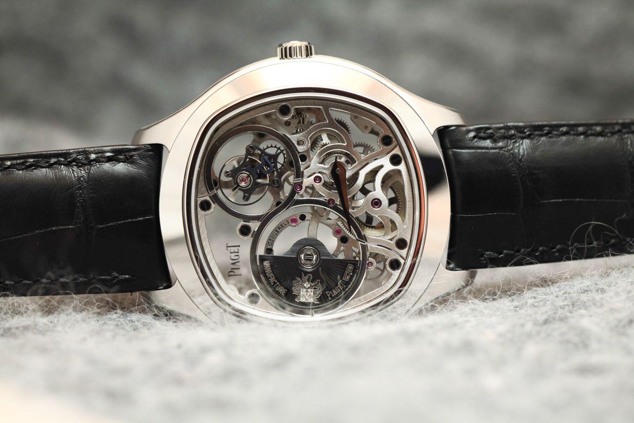 纤薄如翼精微绝伦——伯爵Black Tie系列超薄镂空自动上链陀飞轮G0A4004腕表