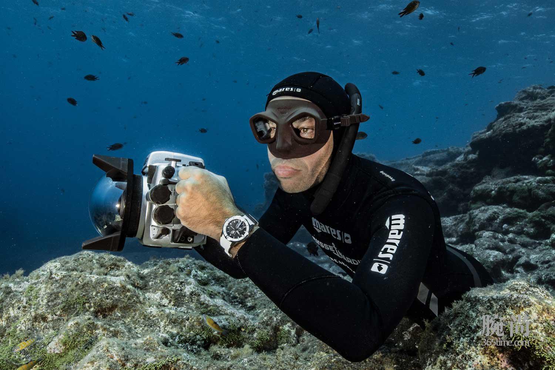 14-Ulysee-Nardin-Diver-Chronometer.jpg