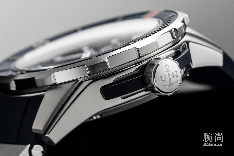 15-Ulysee-Nardin-Diver-Chronometer.jpg