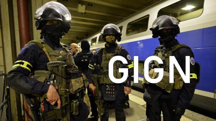 """柏莱士BR03-92 法国国家宪兵特勤(GIGN)限量腕表——""""凯旋门前的利剑""""的选择!"""