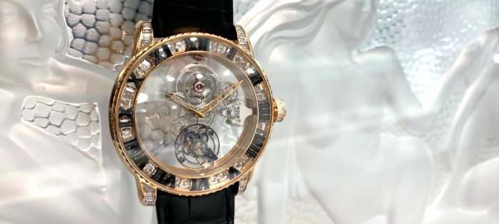 卓尔不凡 奢华升级 CORUM昆仑表全新44毫米罗马刻字亿万富豪陀飞轮腕表