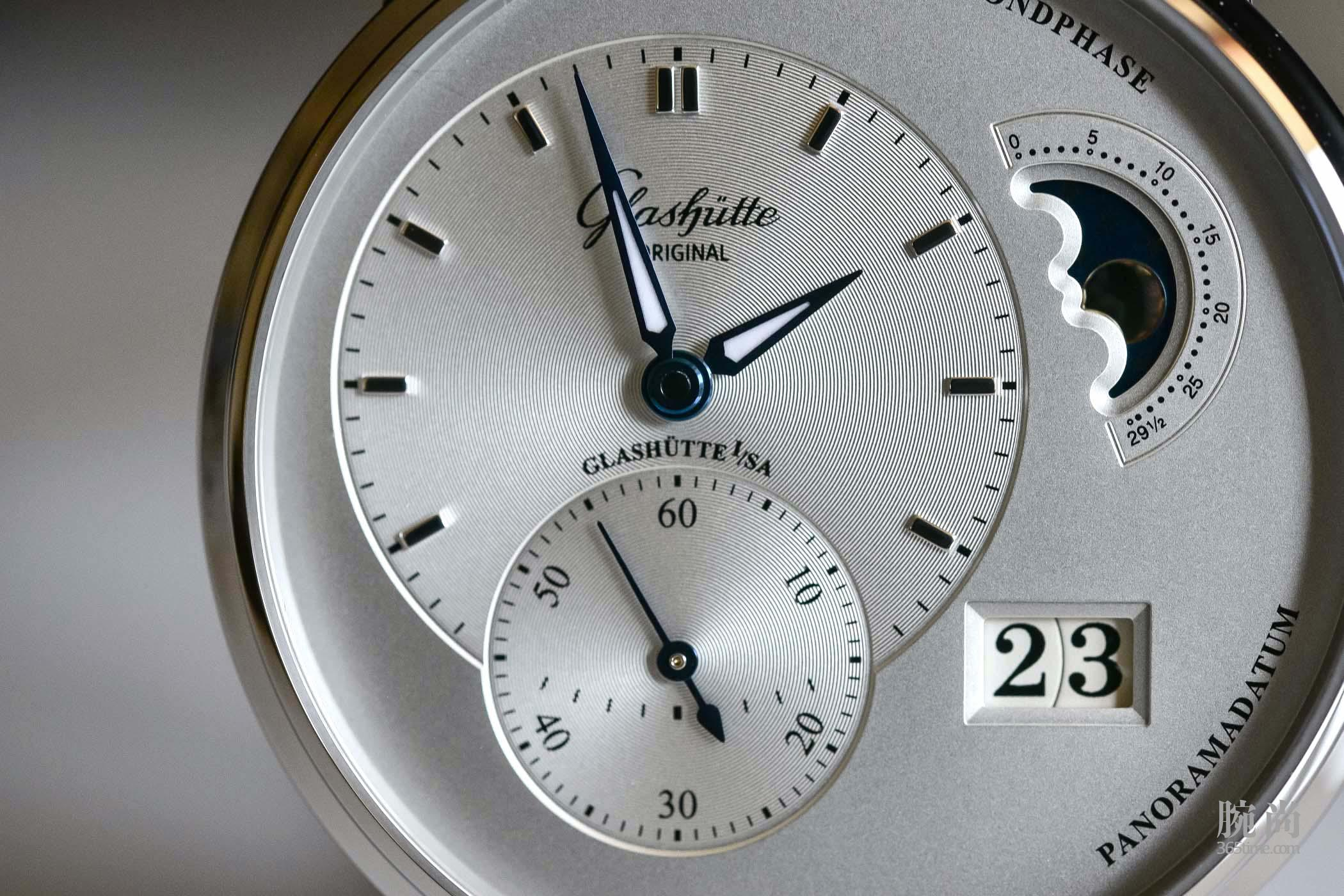 Glashutte-Original-PanoMaticLunar-Steel-1-90-02-42-32-05-15.jpg