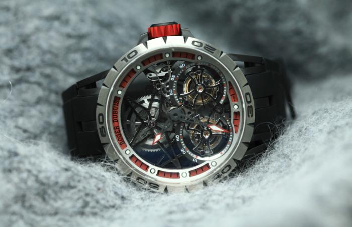 罗杰杜彼Excalibur Spider镂空双飞行陀飞轮腕表——繁复的美丽!
