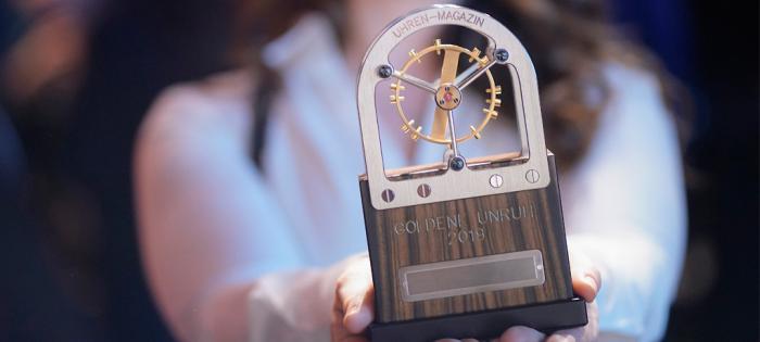 议员世界时腕表在2019年金摆轮奖(Golden Balance 2019)中荣获桂冠 三项金摆轮奖殊荣再次花落格拉苏蒂原创