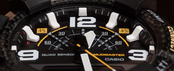 轻量化保护性也强的碳纤维表壳,CASIO卡西欧G-Shock Mudmaster GG-B100