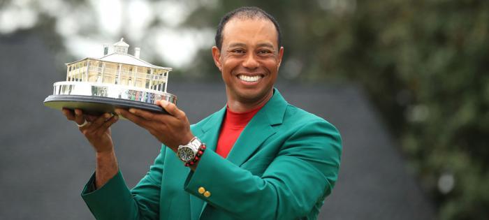 老虎伍兹Tiger Woods勇夺美国名人赛冠军,手上戴的是劳力士Deepsea D-Blue