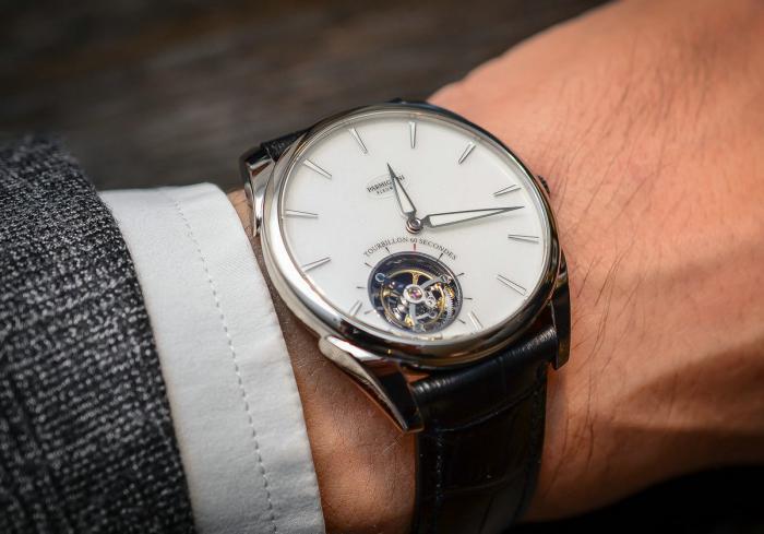 帕玛强尼Tonda 1950超薄飞行陀飞轮腕表——纤薄灵动的生命力!