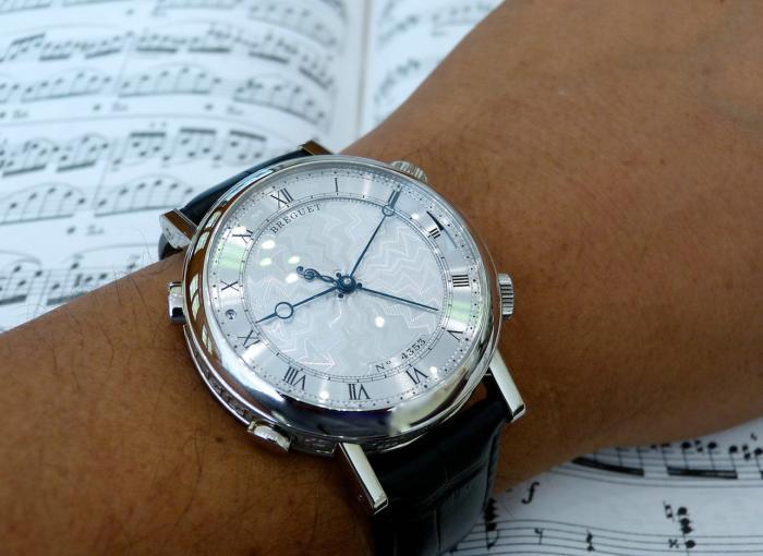 宝玑Classique系列7800BB_11_9YV音乐手表——腕上音乐盒!