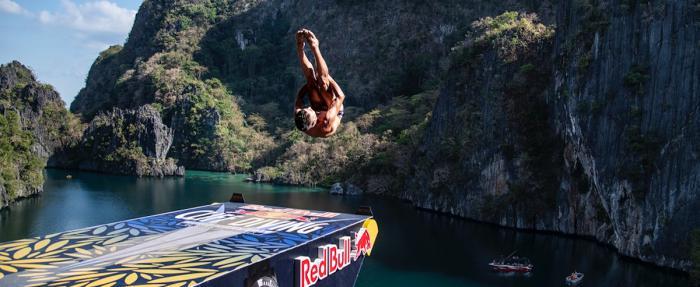 瑞士美度表携手Red Bull Cliff Diving悬崖跳水全球系列赛两站告捷
