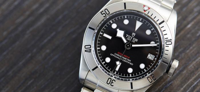 不用等待就能买到的10枚钢款运动型手表