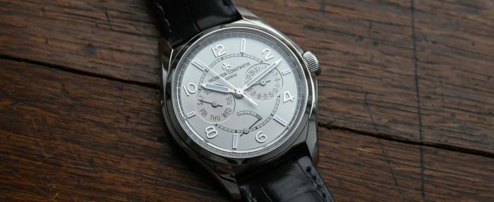 好作品无需自夸——江诗丹顿伍陆之型系列星期日历显示腕表
