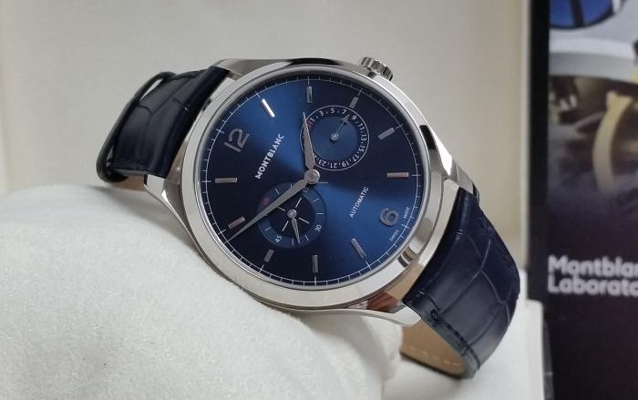 万宝龙传承精密计时系列Twincounter日历男士腕表——优雅的蓝色复古!