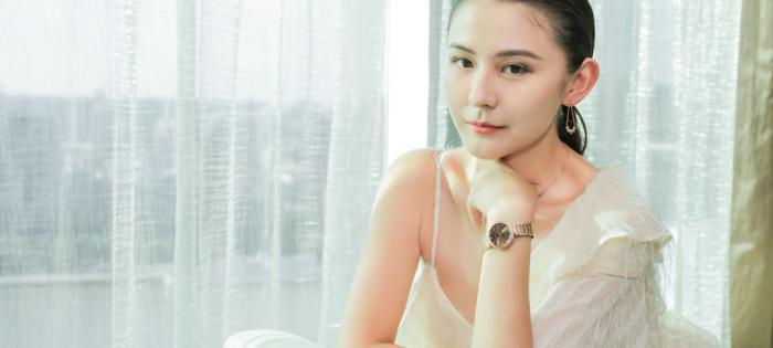 飞亚达表携手热依扎 演绎自信女性的优雅魅力