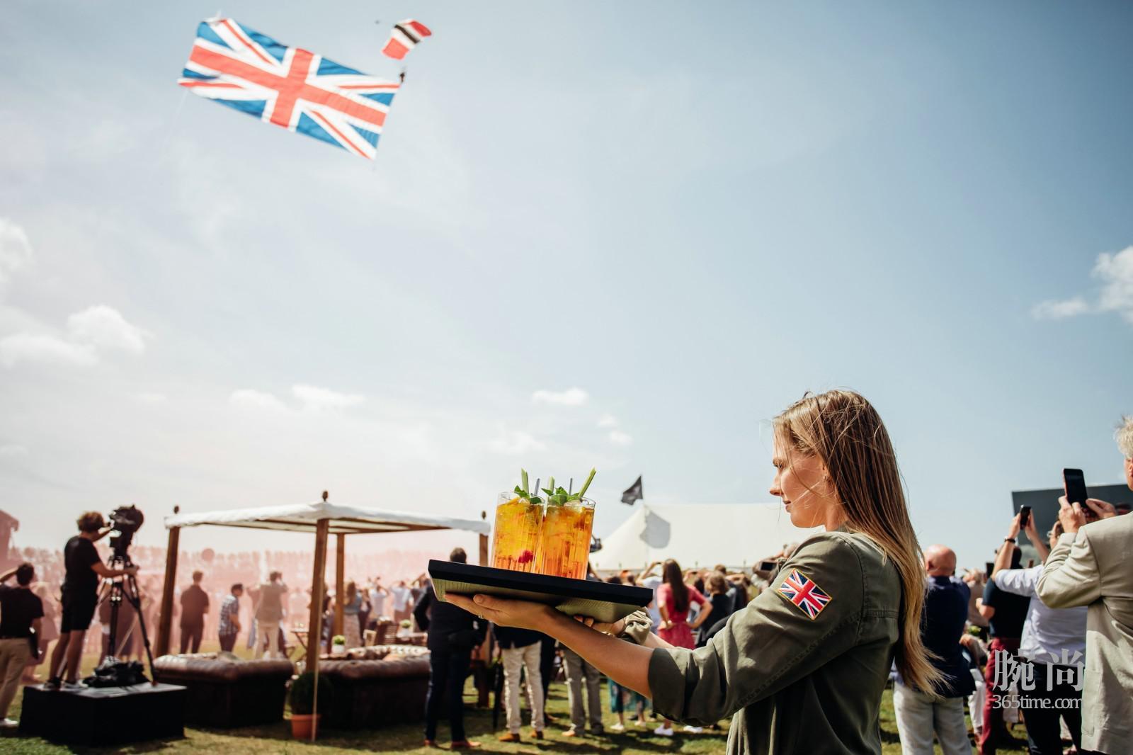 """7. IWC万国表于英国古德伍德庄园庆祝""""银翼喷火战斗机之最长的飞行""""即将启航.jpg"""