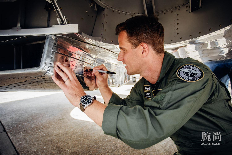 06-IWC-Silver-Spitfire-Takes-Flight.jpg
