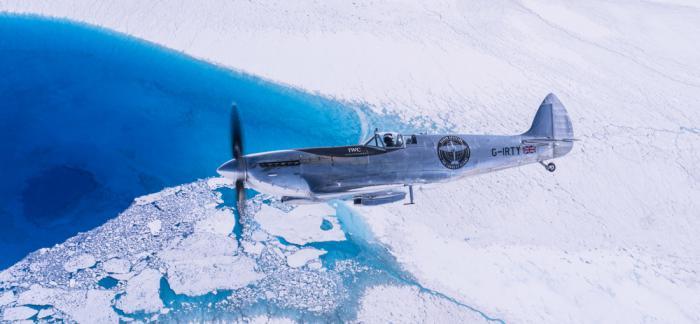 IWC万国表银翼喷火战斗机经格陵兰岛和加拿大顺利抵达纽约