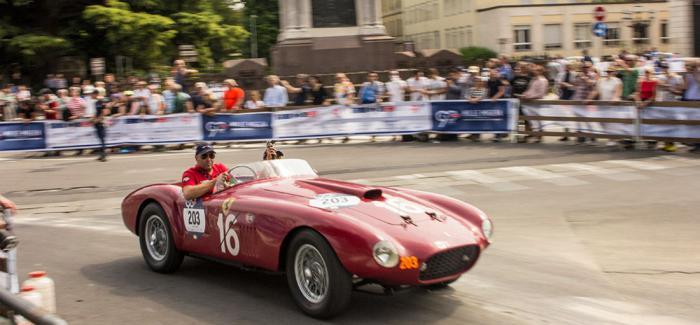 肖邦2019 Mille Miglia系列时计见证古董车赛的热情