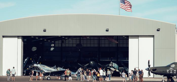 """IWC万国表""""银翼喷火战斗机之最长的飞行"""" 太平洋海岸的奇幻探索"""