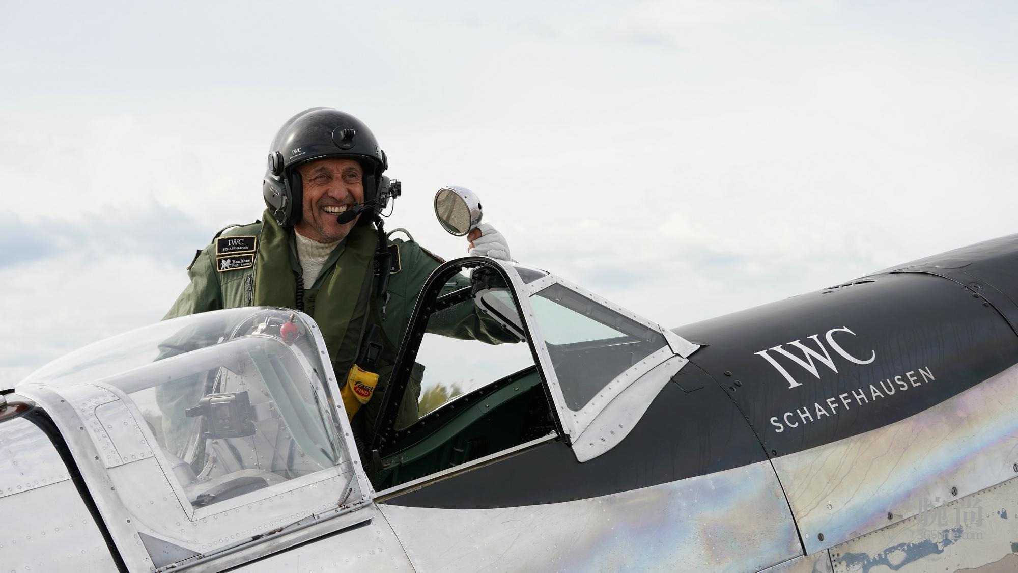 """1. IWC万国表""""银翼喷火战斗机之最长的飞行"""":提前抵达阿拉斯加.jpg"""