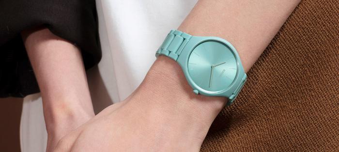 RADO瑞士雷达表True Thinline真薄系列幻彩高科技陶瓷限量版腕表,激活腕间色彩正能量
