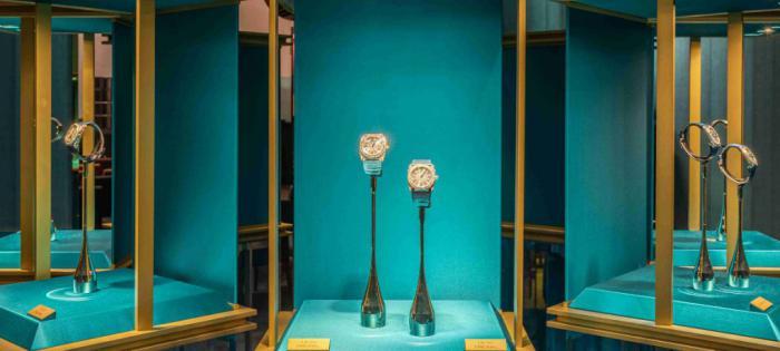"""BVLGARI宝格丽""""生而闪耀""""鎏金之夜于上海揭幕,Serpenti Seduttori鎏光蛇影腕表携手品牌经典腕表新作绽放璀璨华彩"""