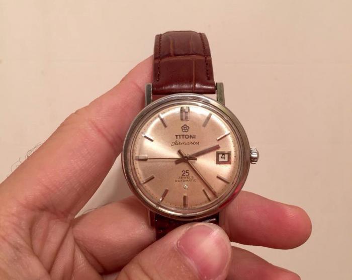 父辈们1977年花290元购的梅花表,放在今天是个什么消费水准?