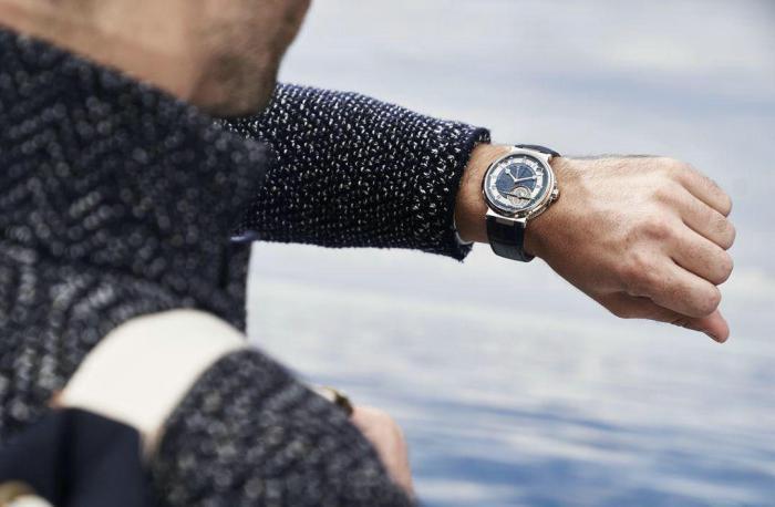 热恋中女生送男友礼物,其实手表是个不错的选择!