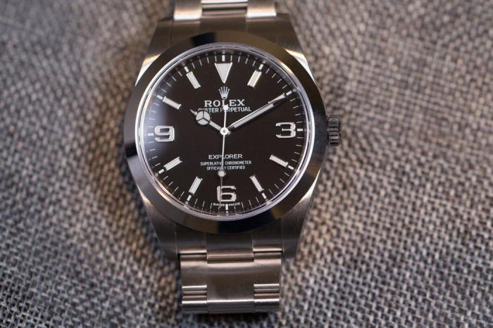 具有什么特征的手表最容易被造假者仿冒呢?