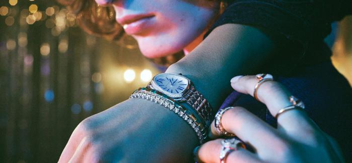 BVLGARI宝格丽Octo Finissimo系列腕表 与Serpenti Seduttori鎏光蛇影腕表 共谱欢愉节日旋律