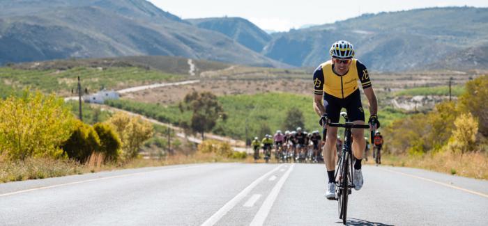 百年灵铁人三项行动队和朋友们重返CORONATION DOUBLE CENTURY公路自行车耐力赛